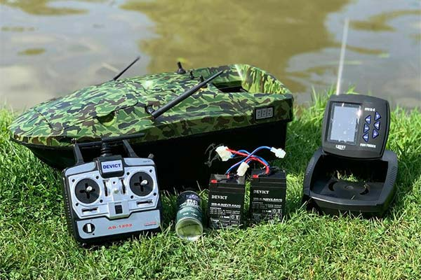 Lake Reaper Bait Boat With Fish Finder