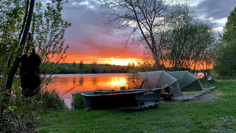 Vallee Lake carp fishing in France near Calais